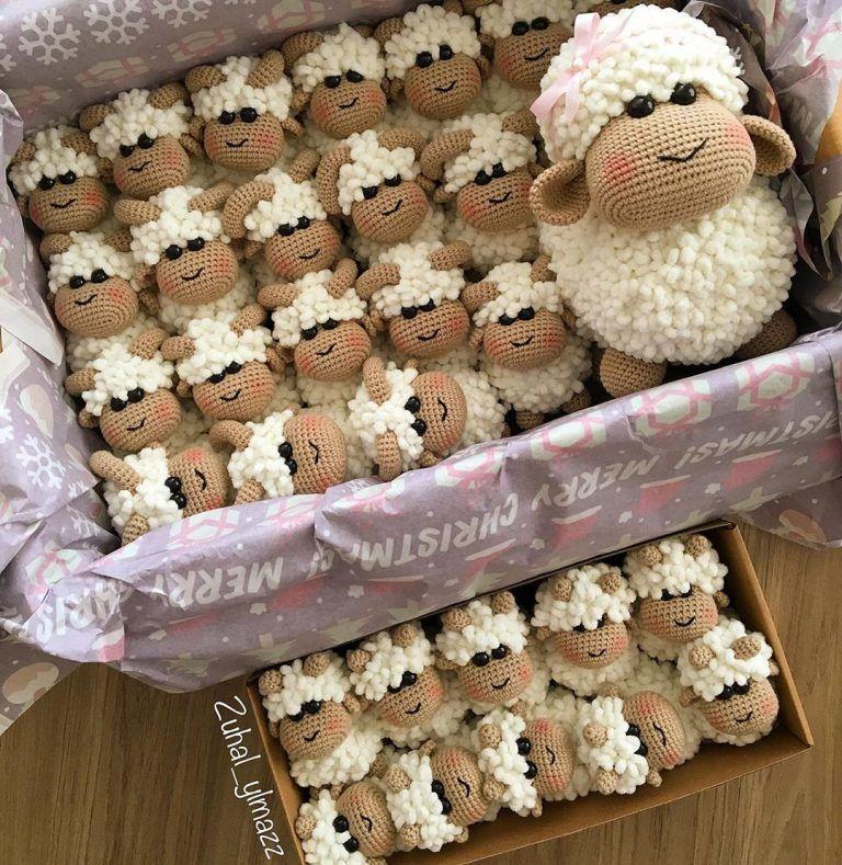Free crochet pattern: Small bobble sheep // Emma Fields  (justaddcrochet.co.uk | Crochet sheep, Easter crochet, Crochet mobile | 789x768
