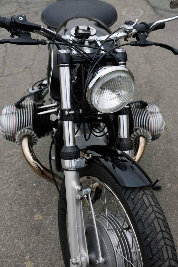 R700 | BMW Motorcycle Magazine | BMW | BMW Motocycles | moto | combat | vintage | black | details | motorcycle | Bimmer | BMW bike | Schomp BMW