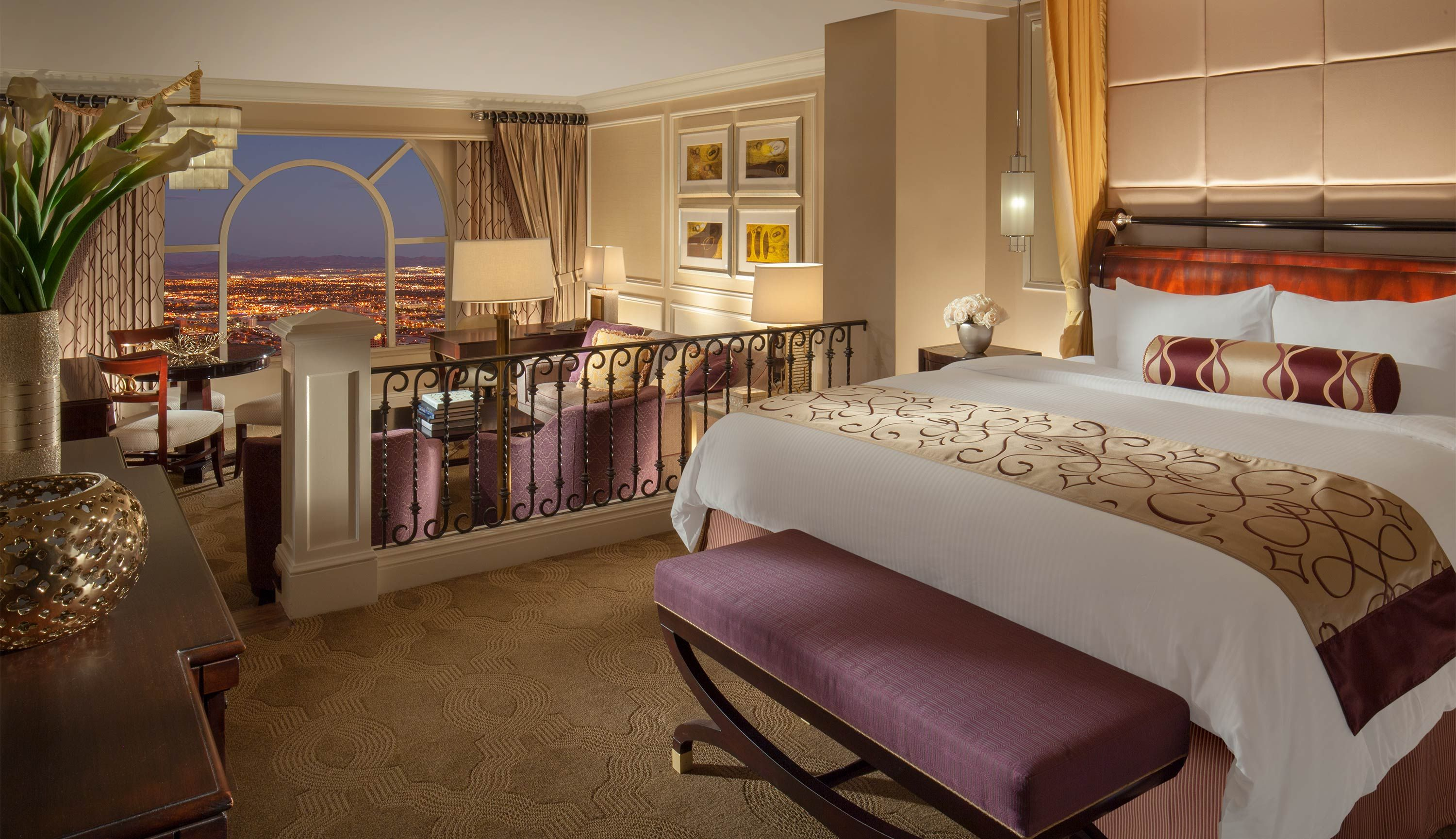 the venetian luxury suite bed chamber with one king bed have