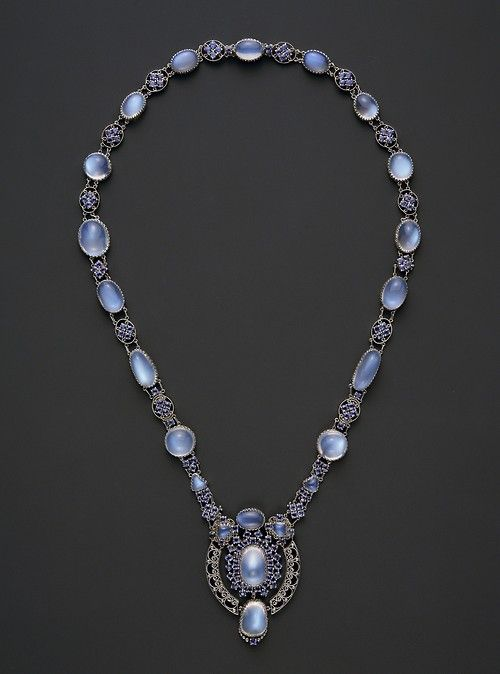 Louis Comfort Tiffany, Moonstone and sapphire necklace with pendant, c.1910 (source).