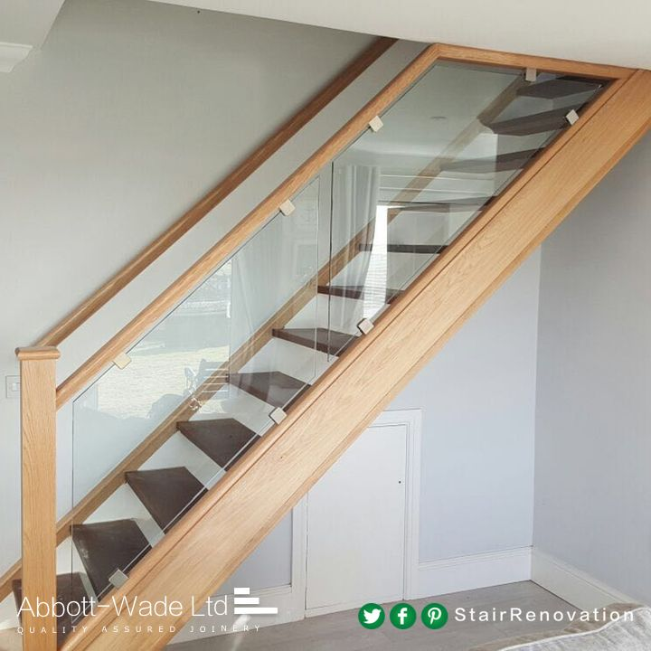 Glass Staircase Balustrade Kit: Oak Rails With Glass Balustrade Clamped With Stainless