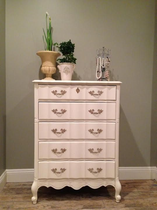 Heirloom White French Provincial Dresser