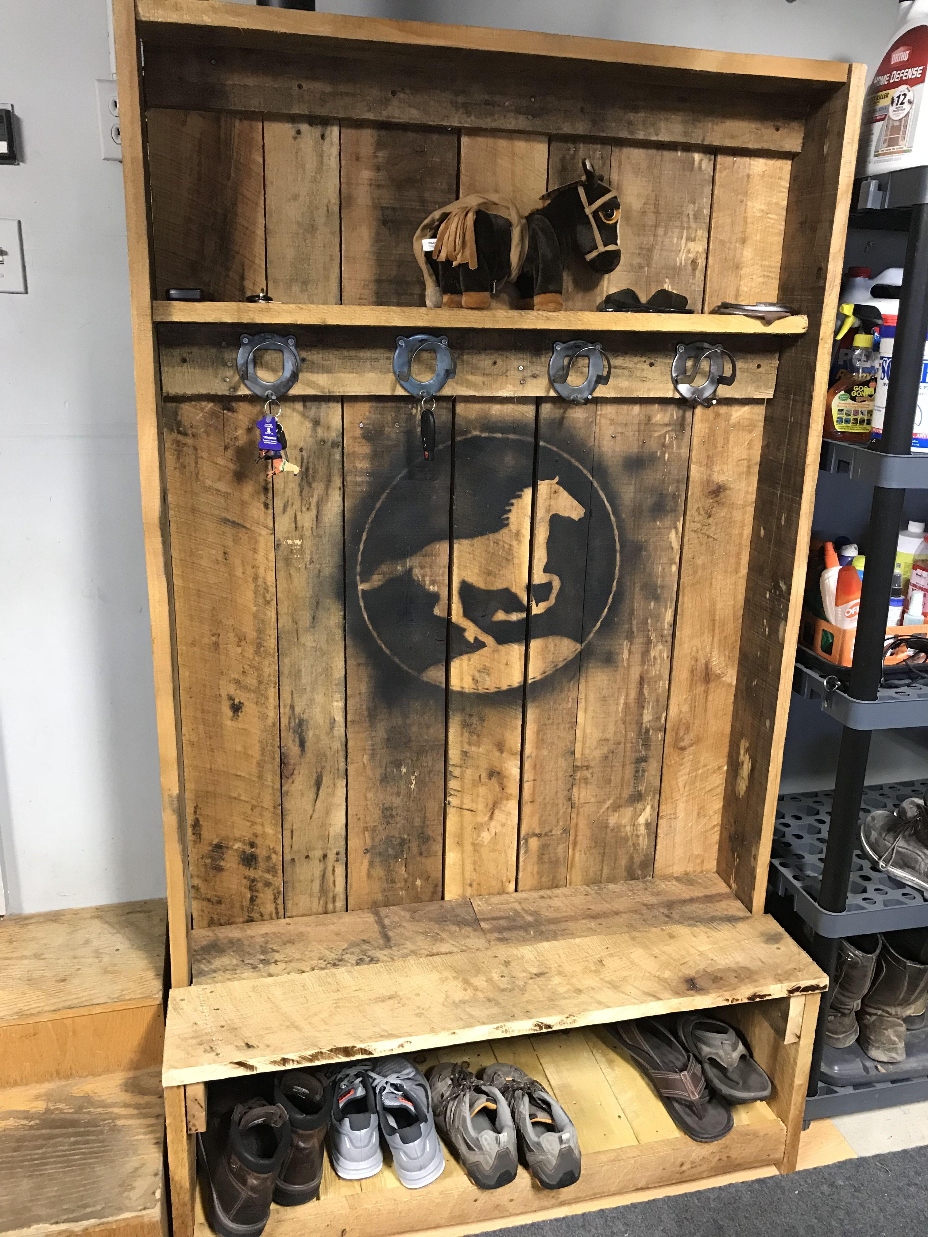 Coat rack | Pallet furniture, Furniture, Rustic wood