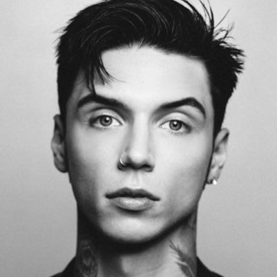 Pin By Aki On Band Pictures Andy Biersack Hair Andy Biersack Andy Black