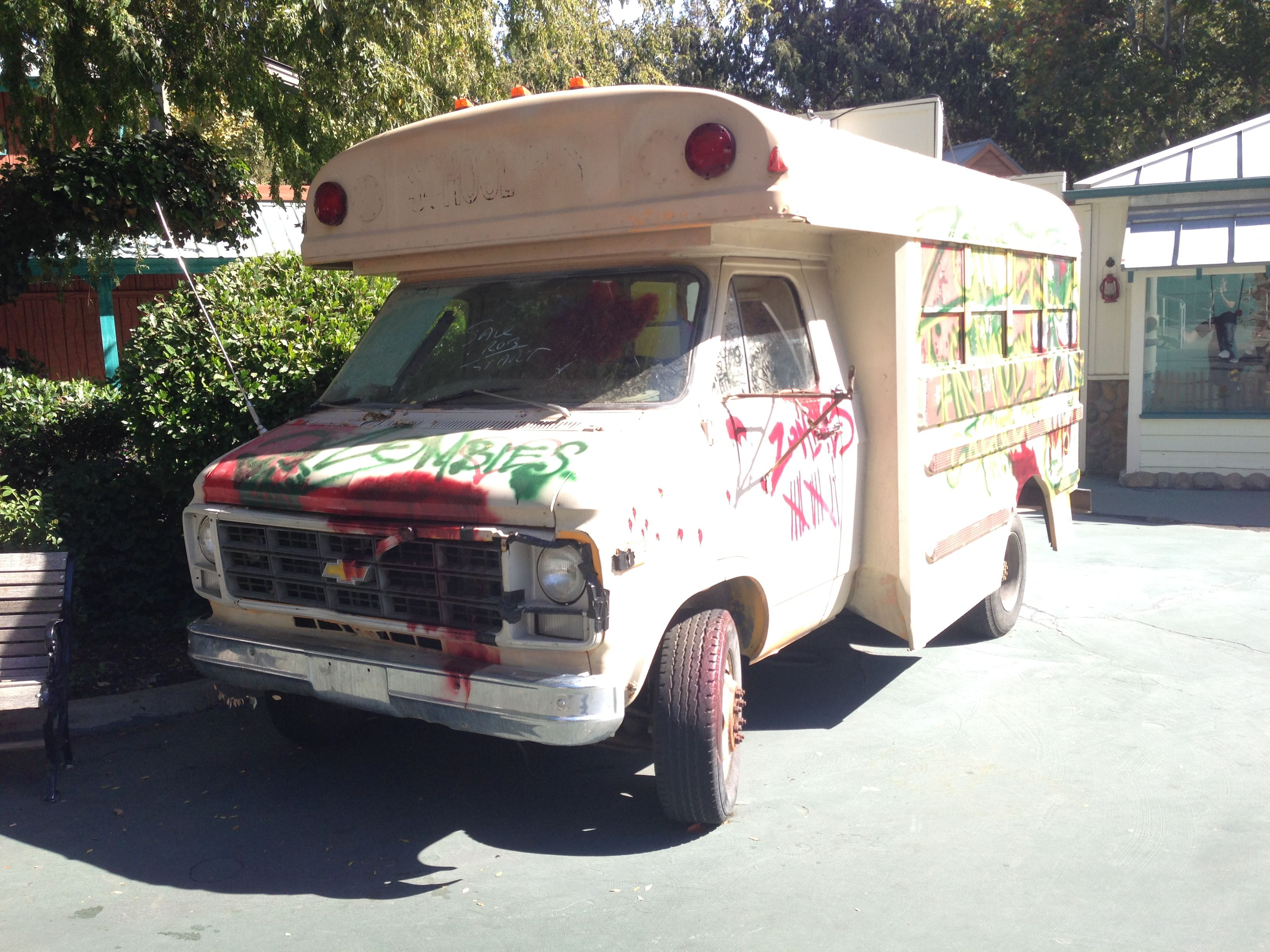 Six Flags Magic Mountain Fright Fest Zombie Bus Recreational Vehicles Car Themes Military Vehicles