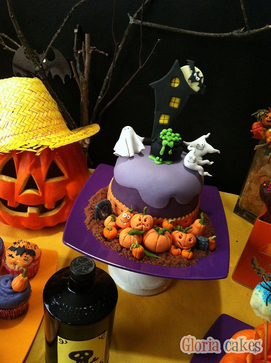 Tarta Halloween. Halloween cake www.facebook.com/GloriaCakes www.gloriacakes.com #HalloweenCake #Halloween   #pumpkin #pumpkinCake