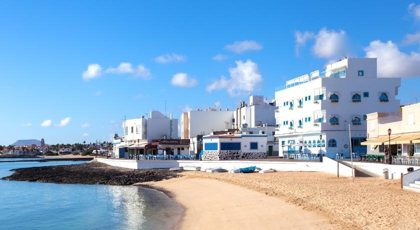 R$523 O Avanti Hotel Boutique Fuerteventura situa-se em frente à praia, no centro de Corralejo.