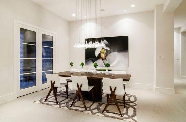 Salle à Manger Moderne En Blanc Avec éclairage Suspendu