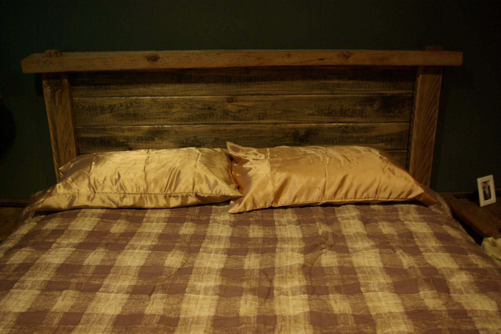 Barn Wood Bed Fram Combining Old Tongue And Groove Pine With True 2x4 And 2x6 Lumber