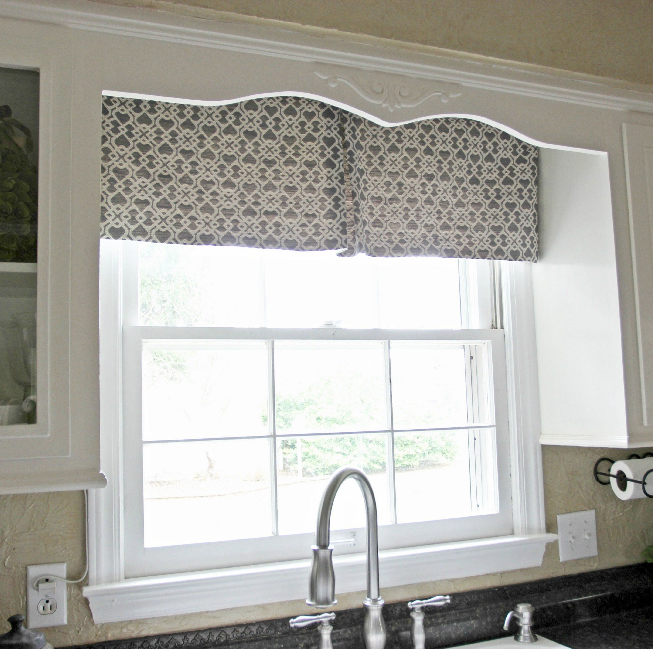 Easy Kitchen Window Curtain Tutorial Make This Curtain With Less