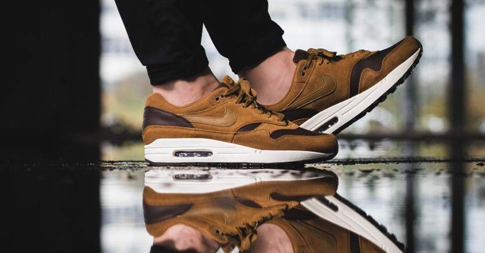 NIKE AIR MAX 1 LEATHER PREMIUM BAROQUE BROWN & GOLDEN BEIGE LIMITED ...