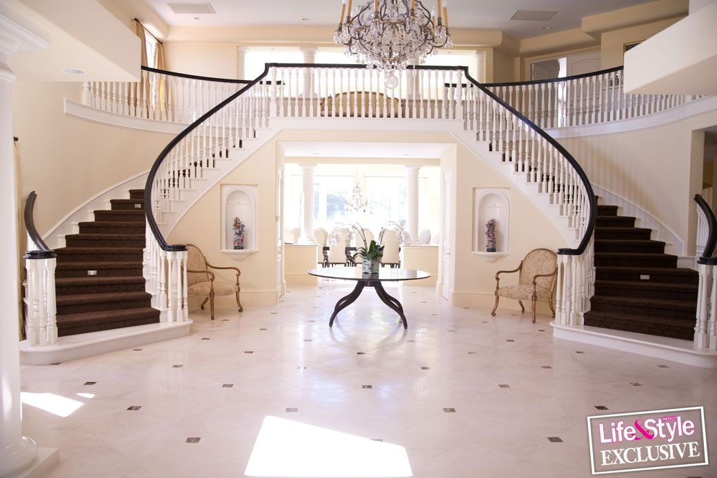 Jenner House Foyer : I want this entrance but in different colors me encanta