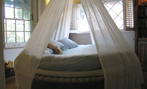Indoor Floating Beds - create a beautiful daybed Outdoor hanging beds - expand your living space. Options Accessories u0026 Hardware Create the perfect ... & Fancy - Floating Bed Love it! | Home | Pinterest | Floating bed ...