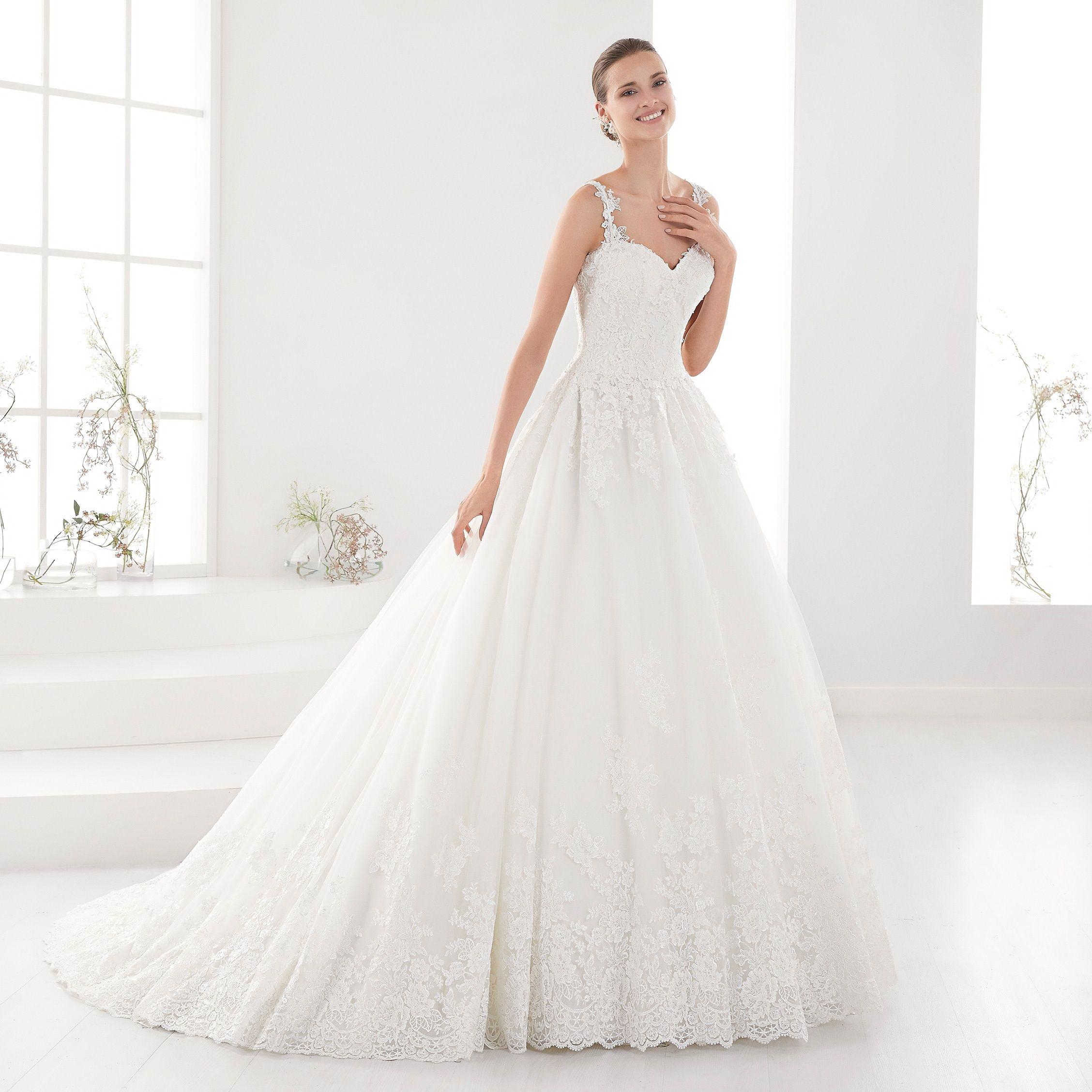 18fc364d1461 Moda sposa 2018 - Collezione AURORA. AUAB18923. Abito da sposa Nicole.
