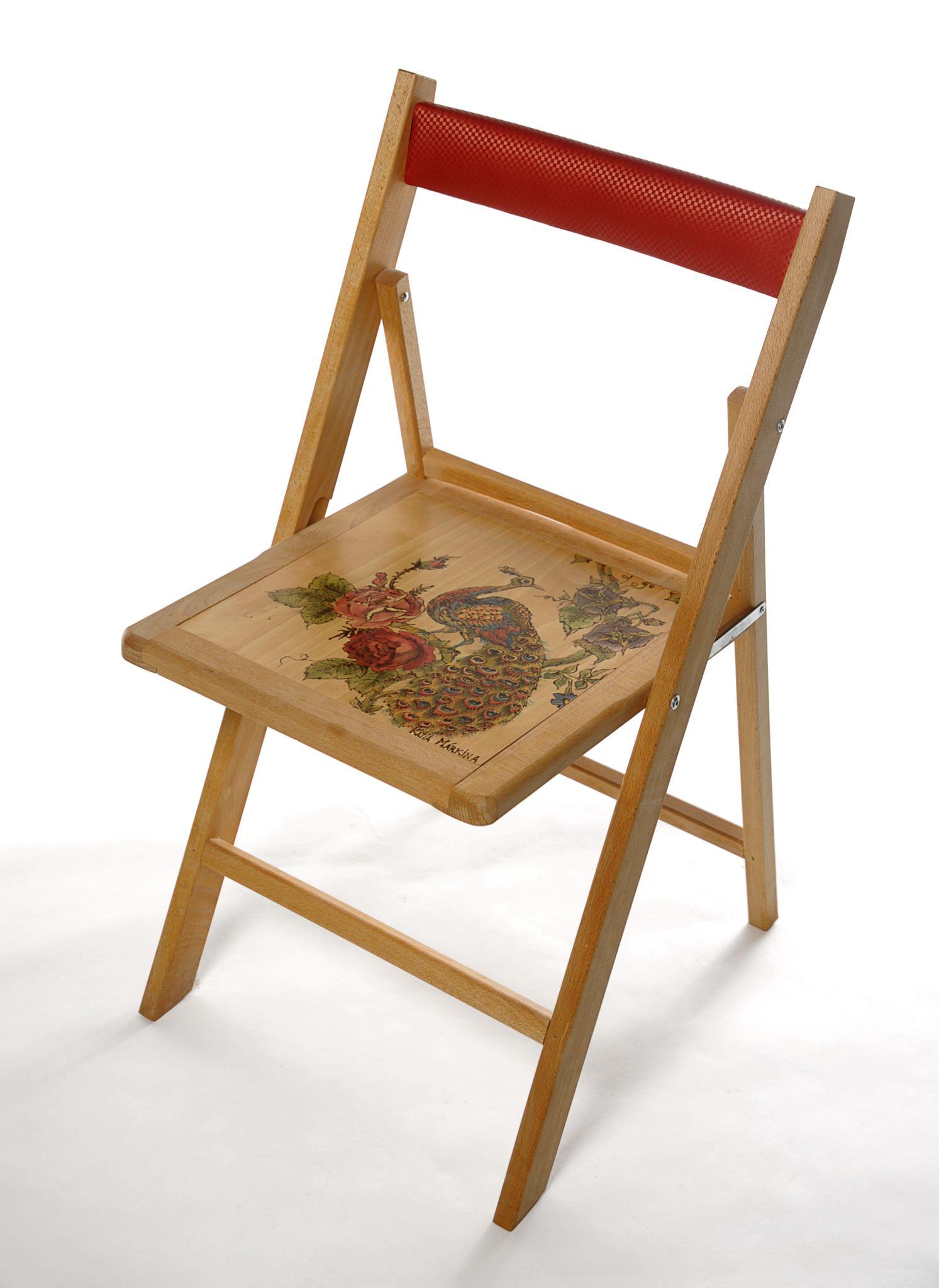 silla de fabrica GARSIA HERMANOS pirograbada y pintada a mano por Katia Markina Ezcaray.