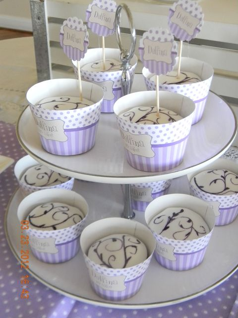Cupcakes at a Violet Birthday Party #violet #cupcakes