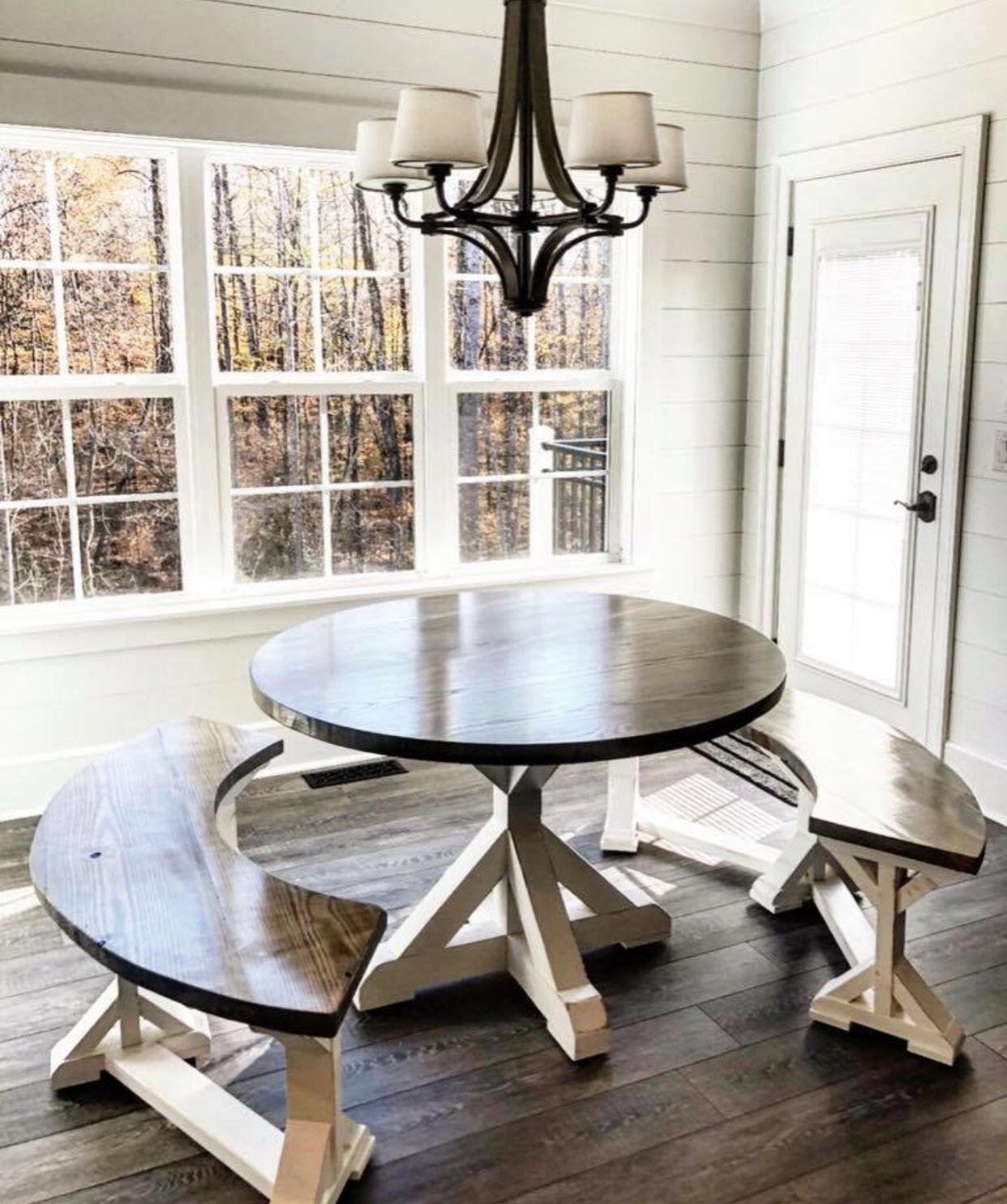 Farmhouse Circle Table Circle Dining Table Farmhouse Dining Room Dining Table With Bench