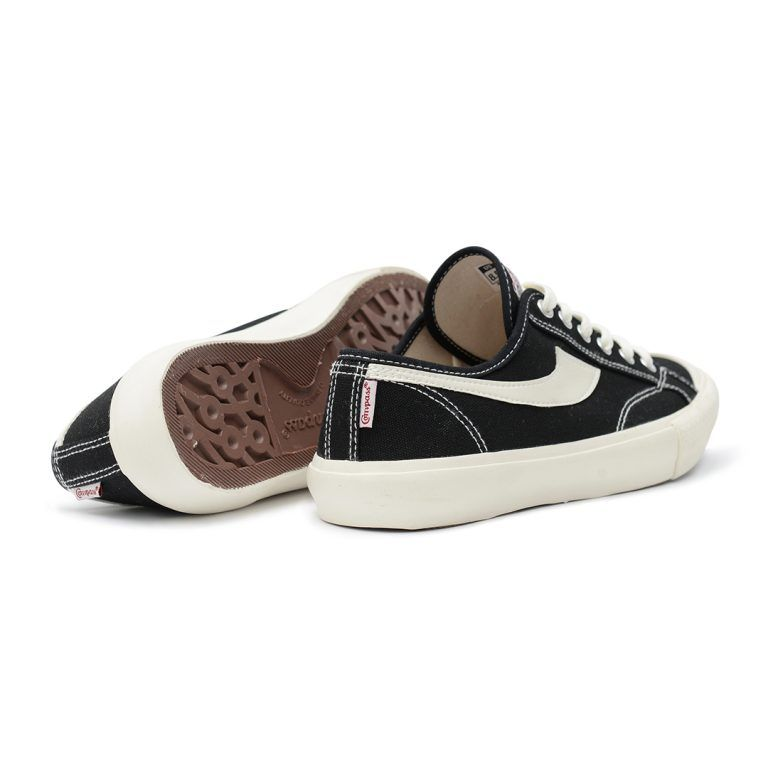 Gazelle Low Black Sepatu Compass In 2020 Vans Old Skool Sneaker Black Gazelles Custom Woven Labels