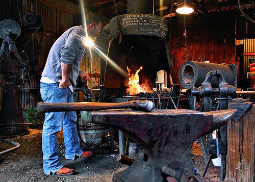 Blacksmith blacksmithing blacksmith forge and for Craft in america forge