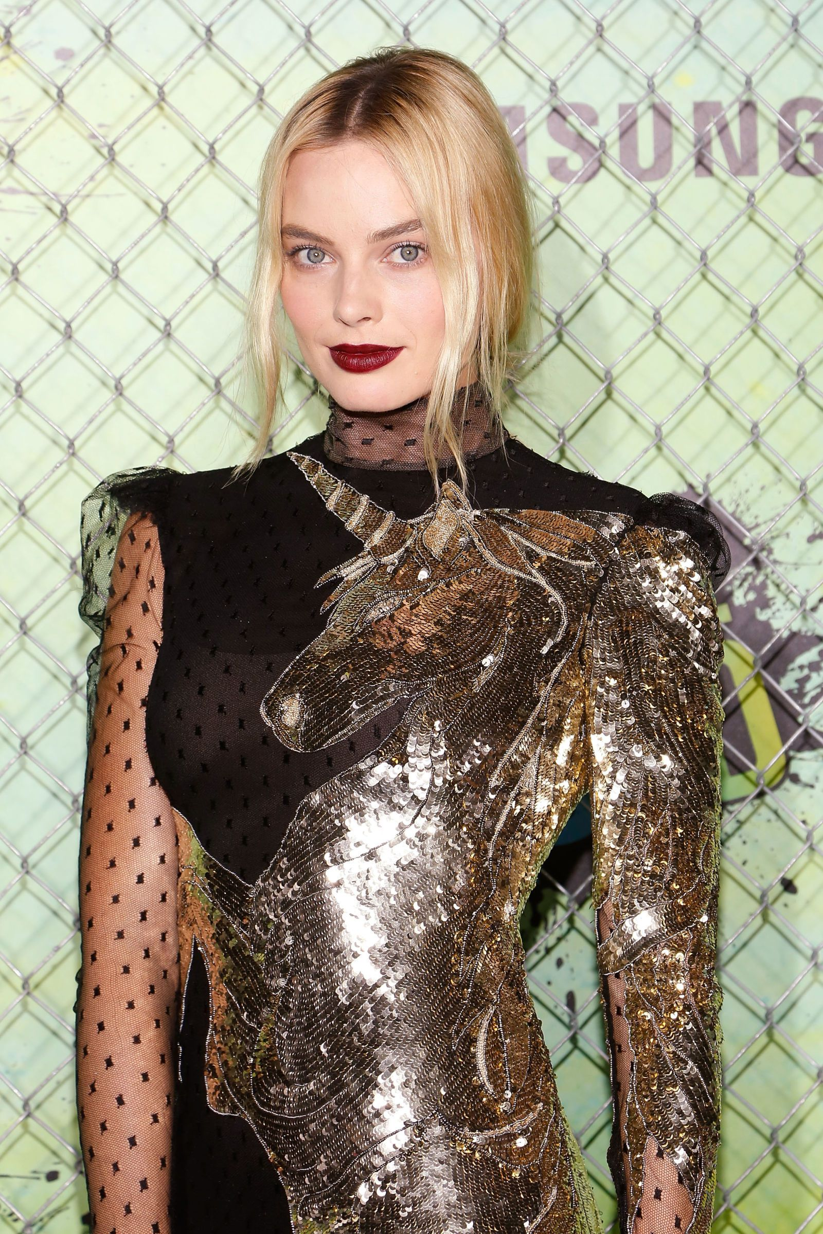 Margot Robbie Wears Majestic Unicorn Dress to 'Suicide Squad' Premiere