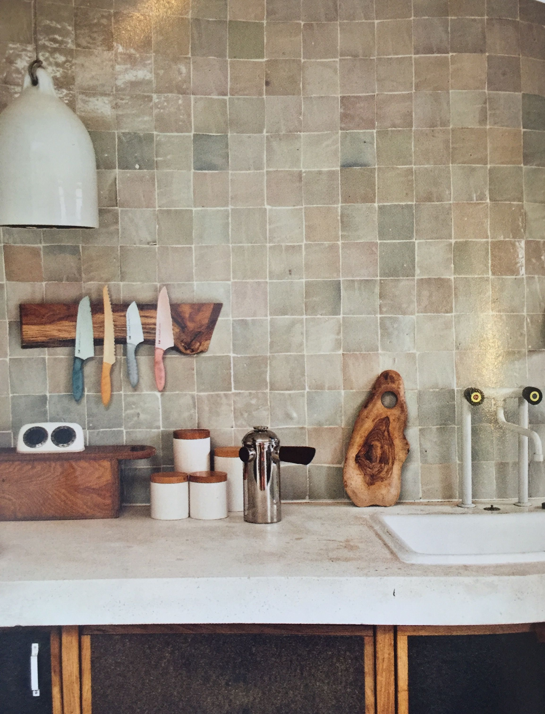 Pin By Cynthia Shelley On Bathrooms Kitchen Tiles Backsplash Tiles