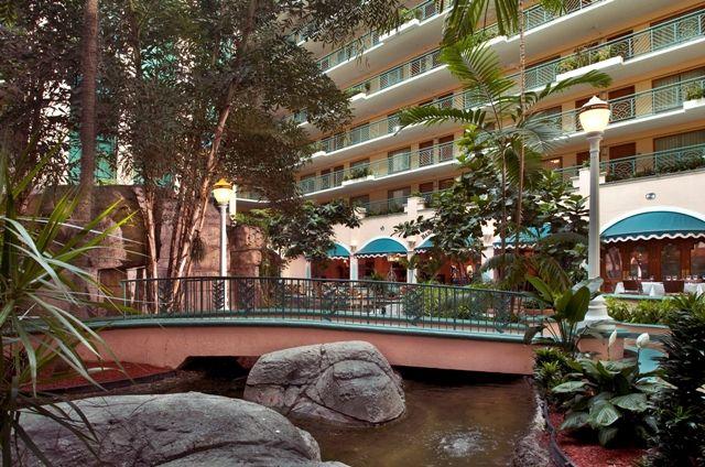 Embassy Suites Miami Vintage Atrium Bridge Embassy Suites Airport Hotel Hilton Miami