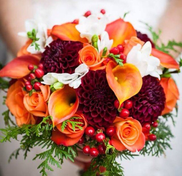 Fall Wedding Boutonniere Ideas: Bridal Bouquet Option (groom Boutonniere Would Match