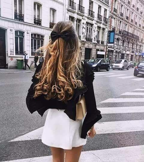 Photo of Dagli archi ai maxi cerchi: ecco gli accessori per capelli più belli dell'ey …
