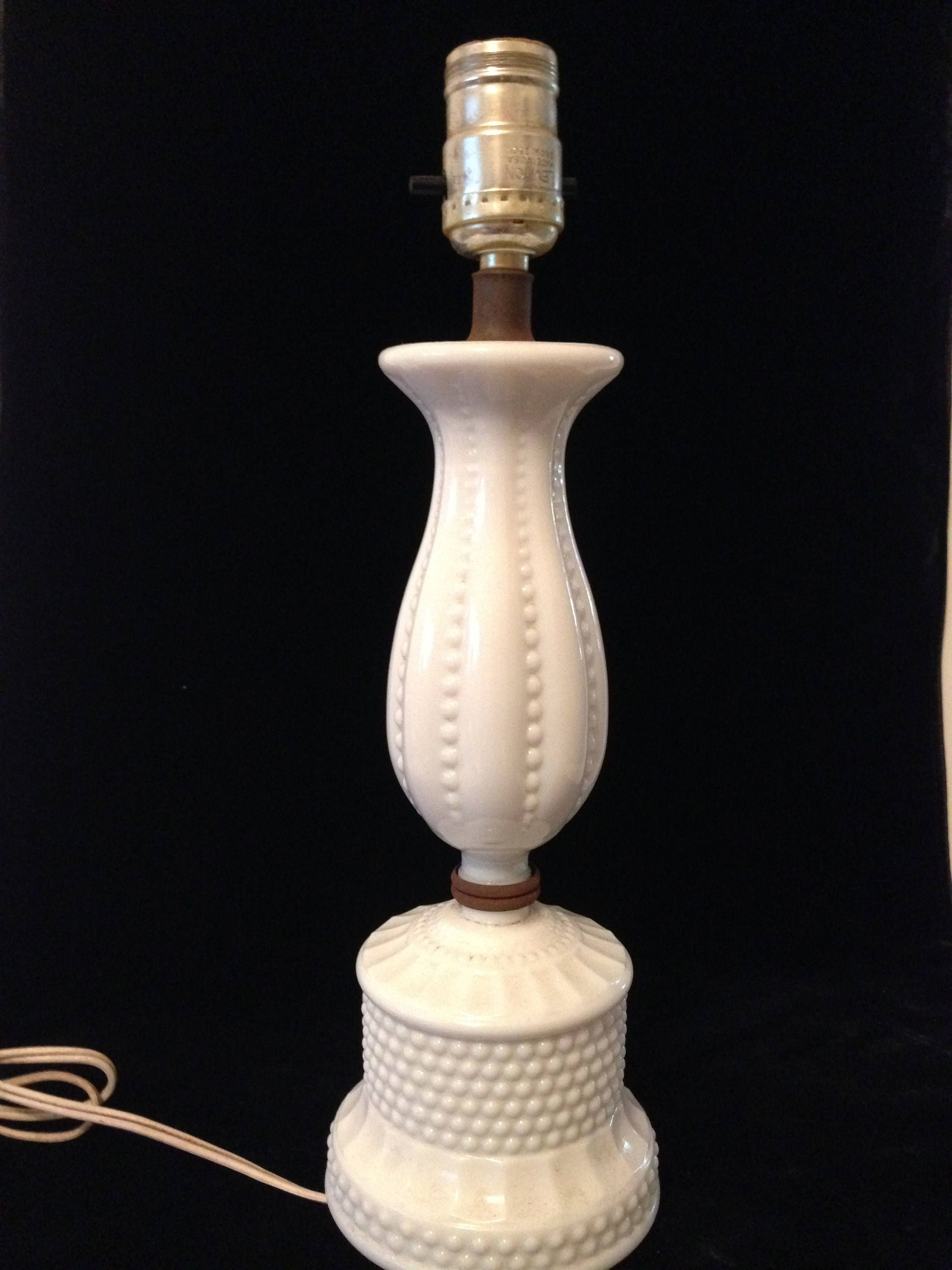 Vintage Hobnail Milk Glass Lamp, Table Lamp, Reading Lamp Or Night Stand,  Cottage