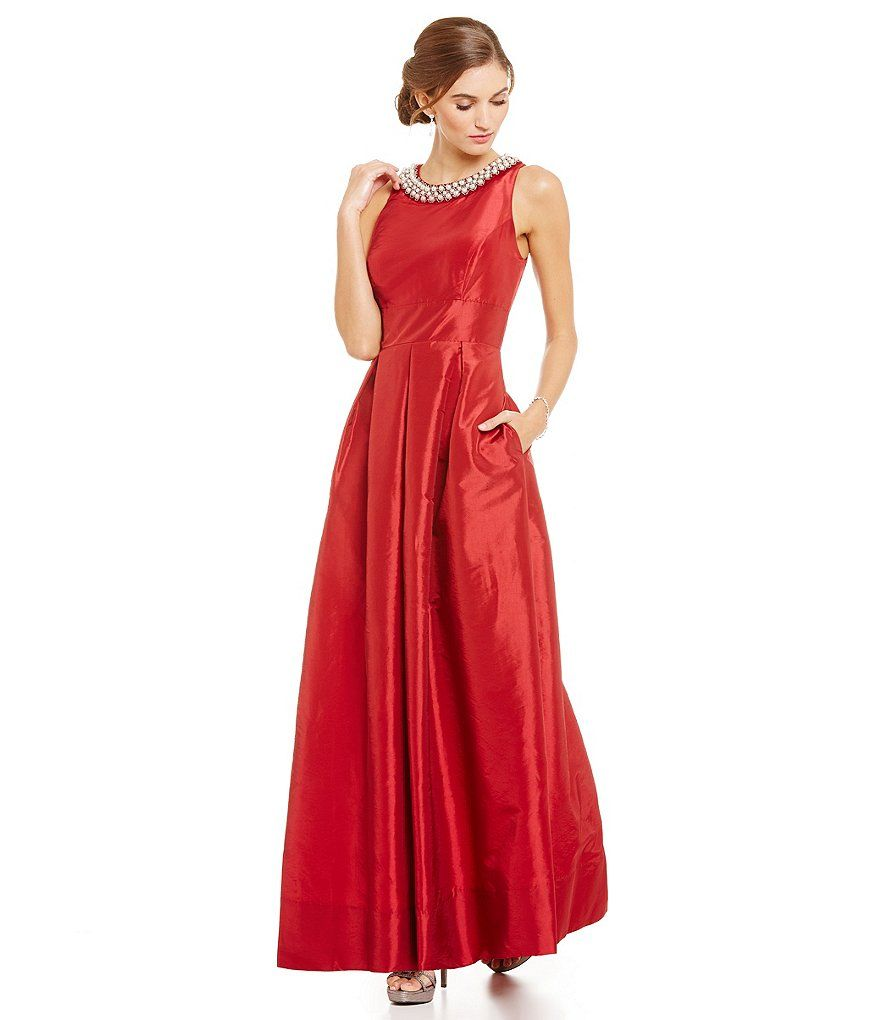 Sangria Womens Lace and Taffeta Ball Gown