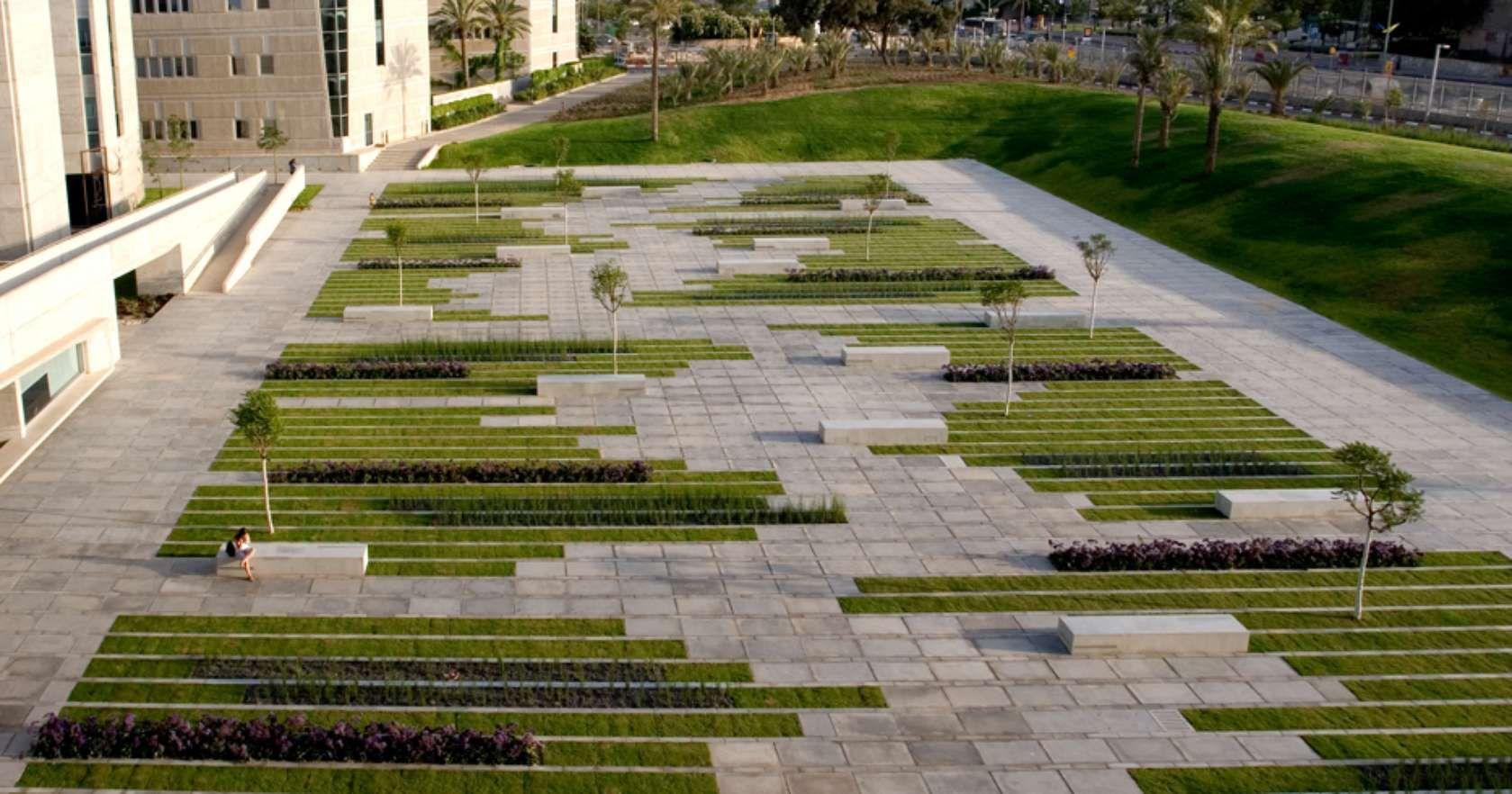 The Square Is Located In The Western Part Of The Ben Gurion University Campus In The City O Architetti Del Paesaggio Paesaggi Urbani Architettura Paesaggistica