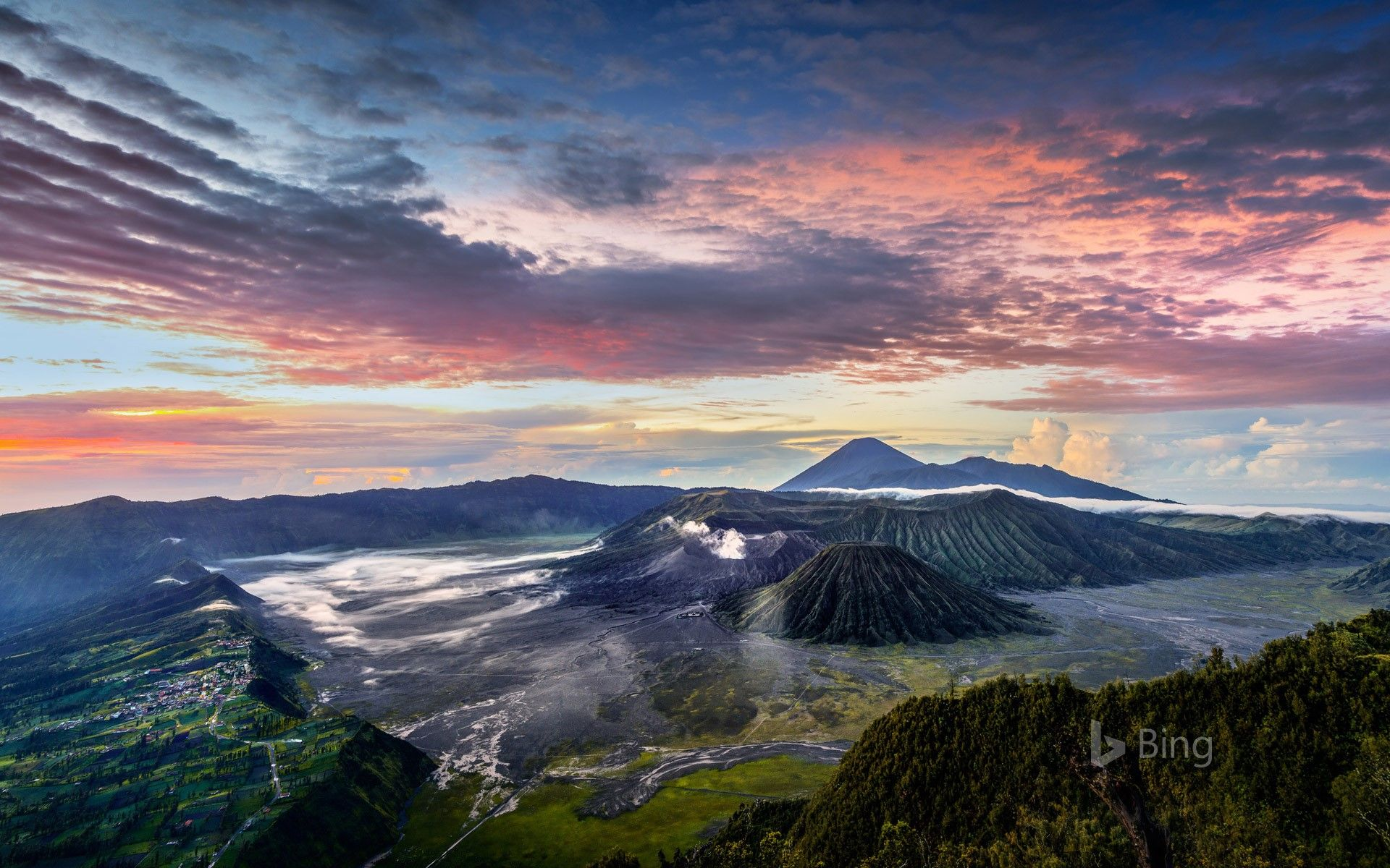Bing daily picture for May 30 Smoldering Mount Bromo in