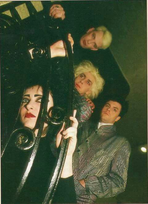 Siouxsie and The Banshees ...*-* <3 They look so fabulous, especially my goth wife Siouxsie <3 <3