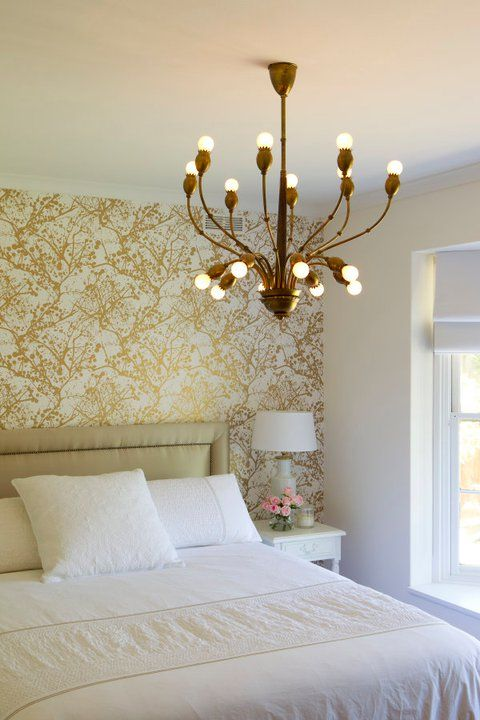 Pin By Layla Grayce On Bedrooms White Gold Bedroom Gold Bedroom Contemporary Bedroom