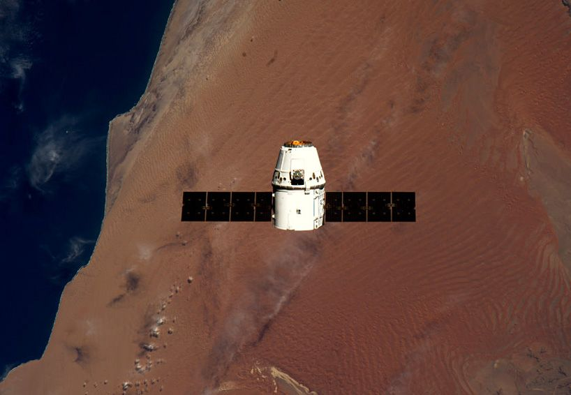 Space X Dragon Capsule approaches the ISS
