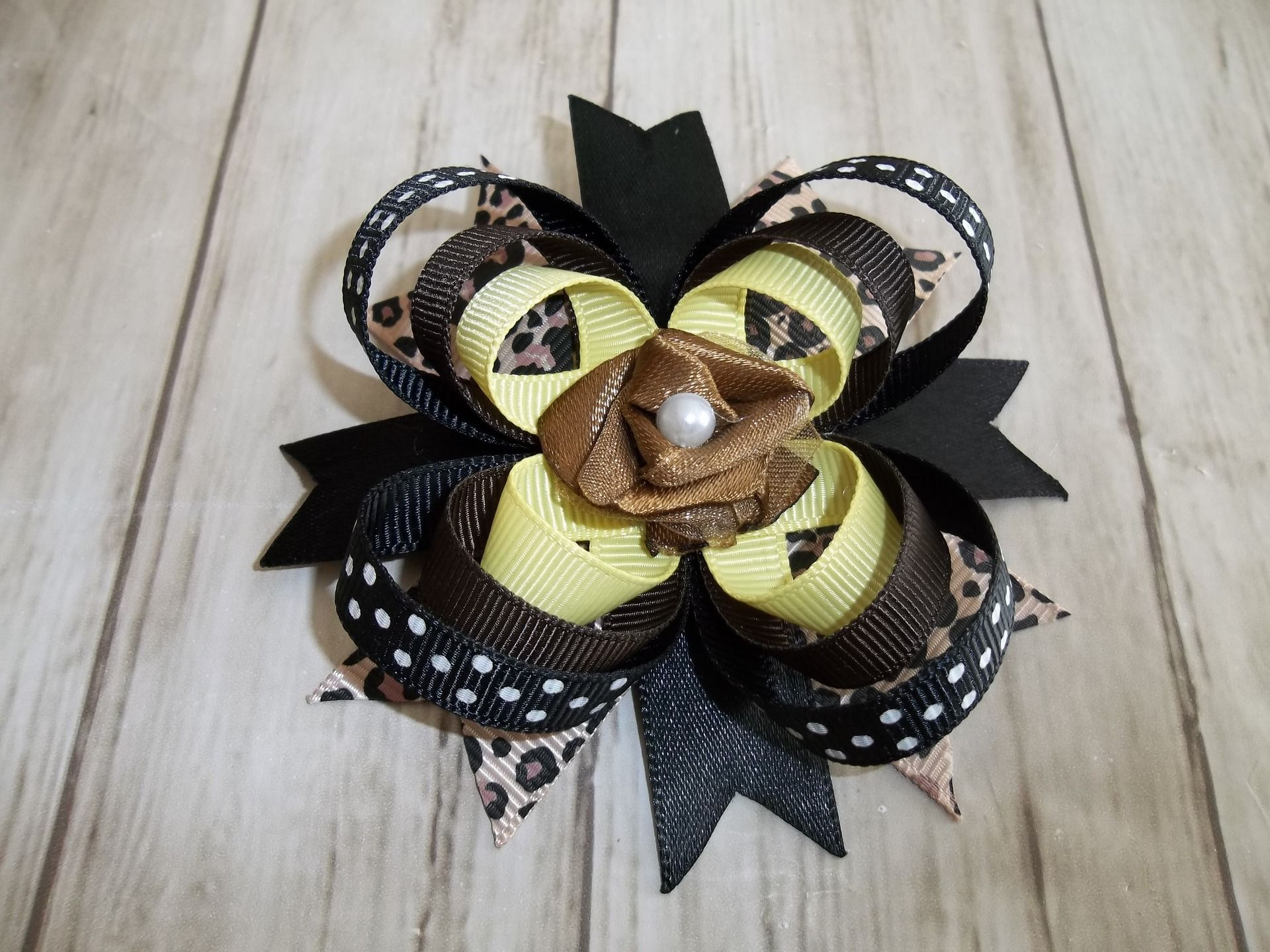 "grand noeud d'inspiration américaine ""boutique bows"""