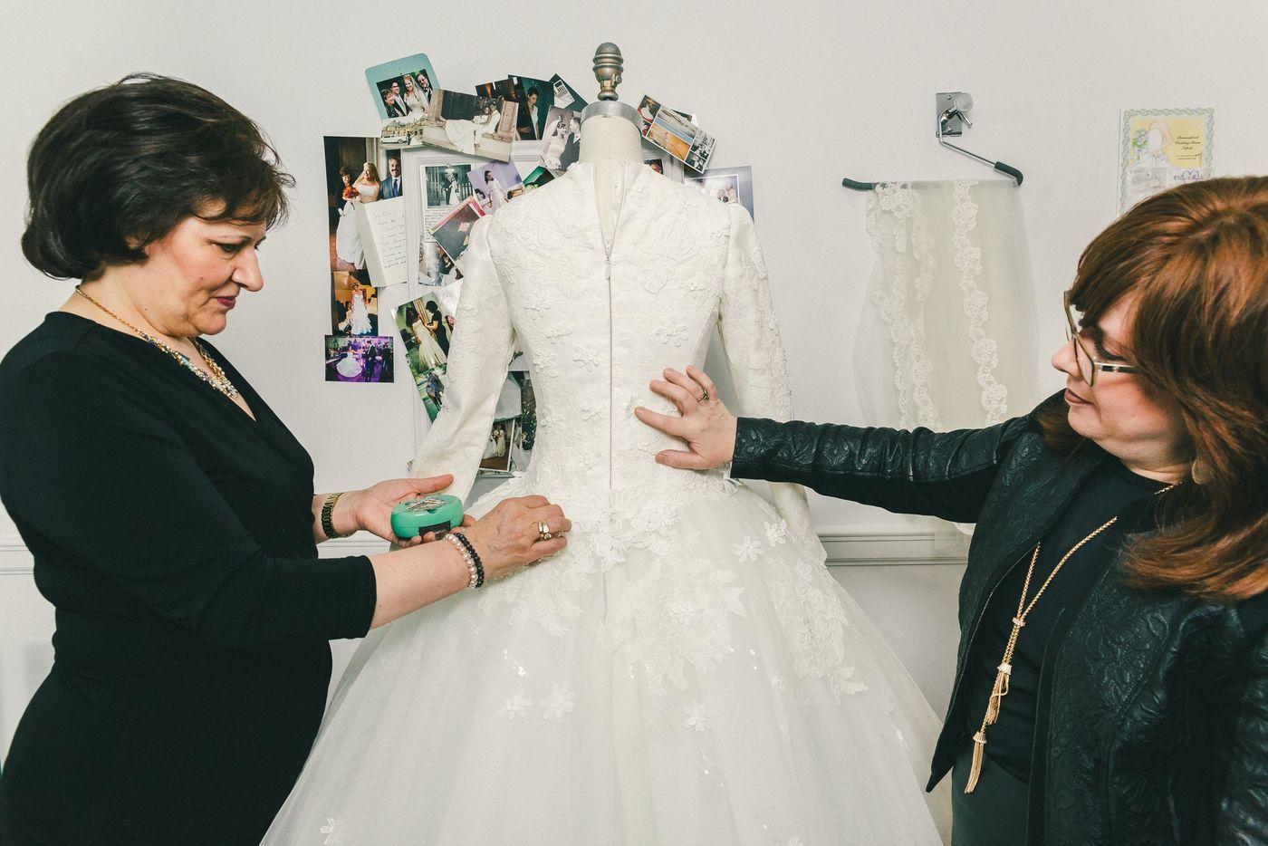 Behind the veil with kleinfeldus modest bridal consultant veil