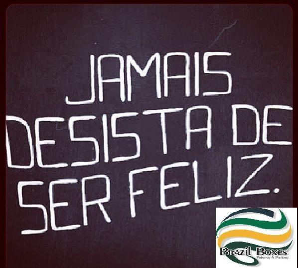 Mesmo que seu sonho esteja longe, nunca desista porque quem persiste consegue! Nós da Brazil Boxes nunca desistimos para sempre realizar os sonhos dos nossos clientes! -SeeYou- #brazilboxes #conquistas #sonhos #embalagens #investimento #embalandosonhos #dreams #life #inspiration #packing #amamostudoisso #love #clientes #satisfação #trabalho