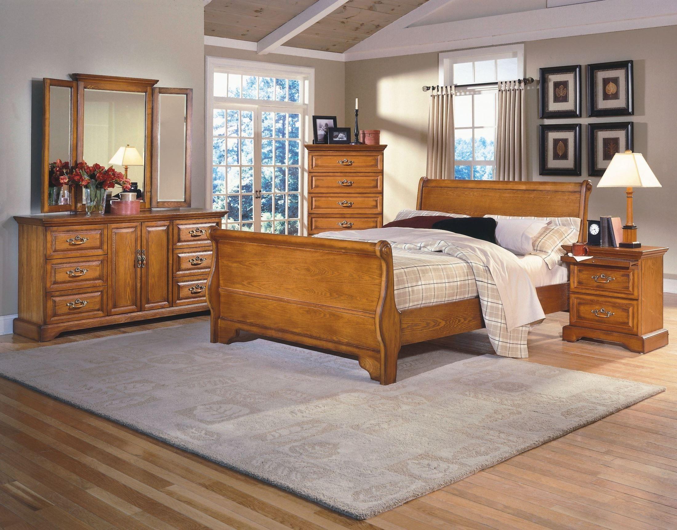 Honey Creek Caramel Sleigh Bedroom Set Oak bedroom