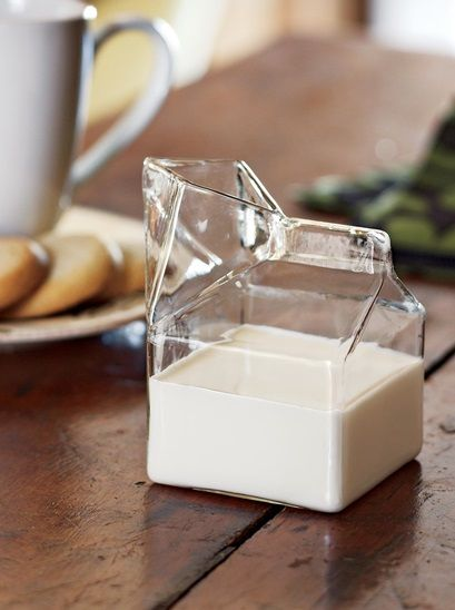 Glass milk carton. How cool it is! The idea is so obvious and yet I would never think about it. Amazing!