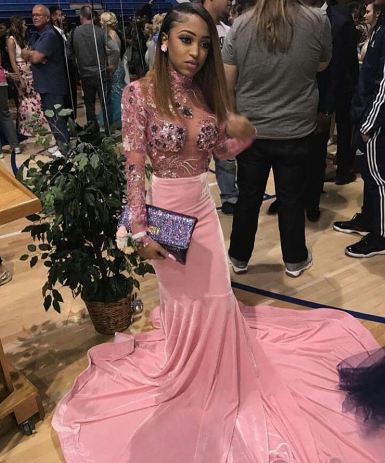 This is the most prettiest pink prom dress i ever saw she really