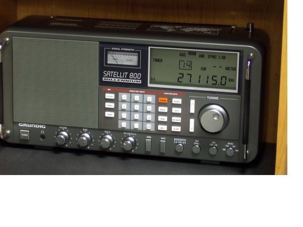 The Grundig Satellit 800 My first grown-up shortwave radio