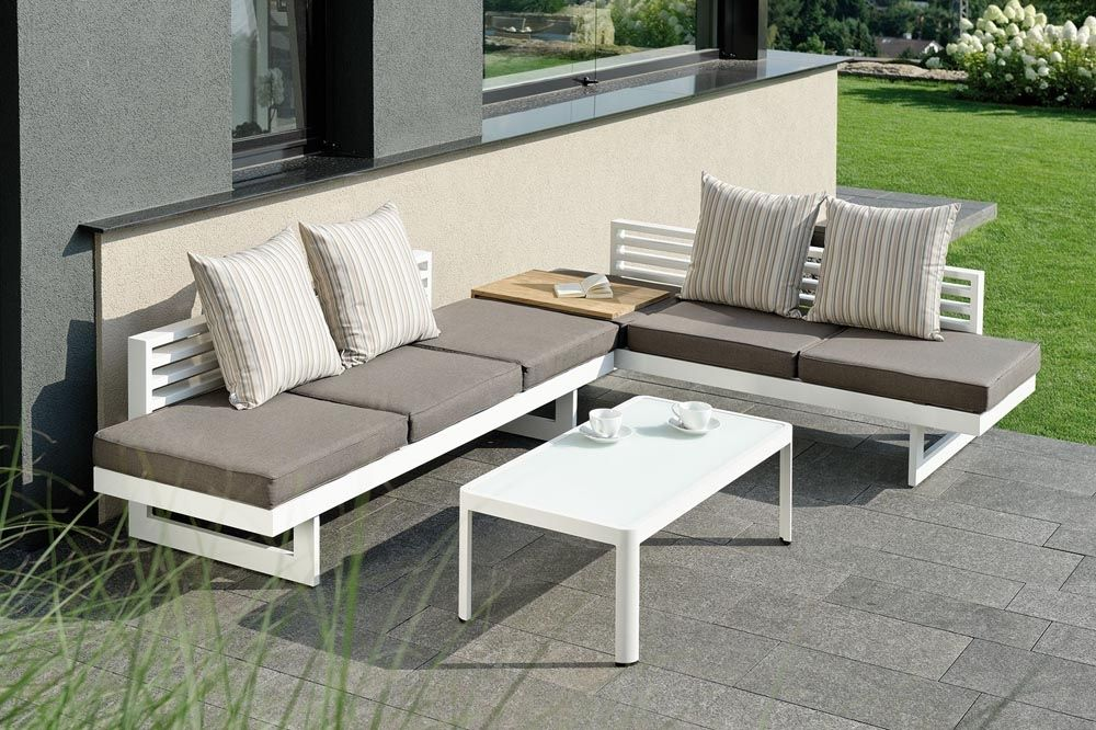 bank lounge liege und outdoor doppelbett f r den garten. Black Bedroom Furniture Sets. Home Design Ideas