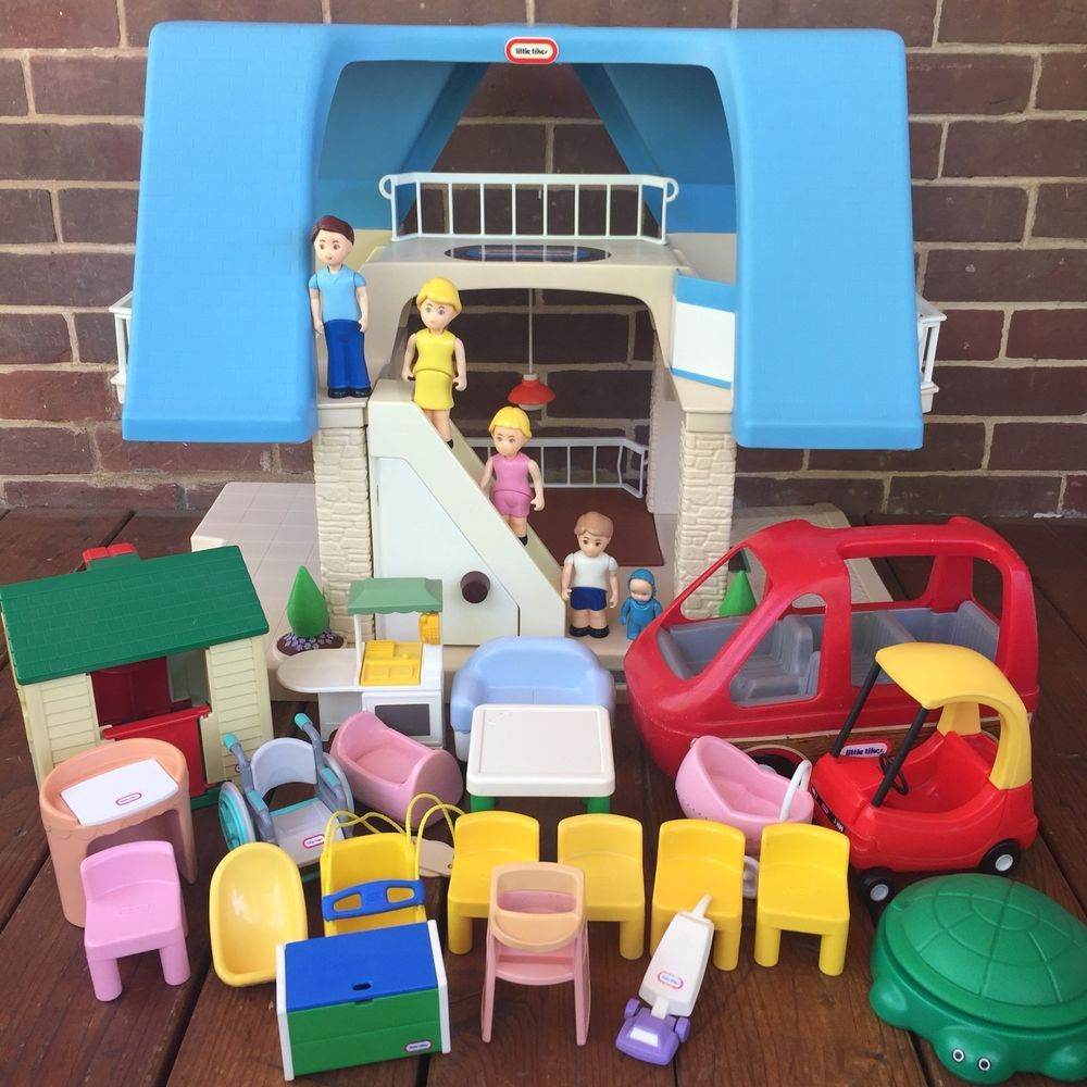 Little people car toys  Vintage Little Tikes Place Dollhouse Blue Roof Accessories Toys