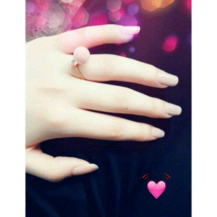 Pin By Dimple Queen On Queen Rain 1 Girl Hand Pic Girly Pictures Cute Girl Poses