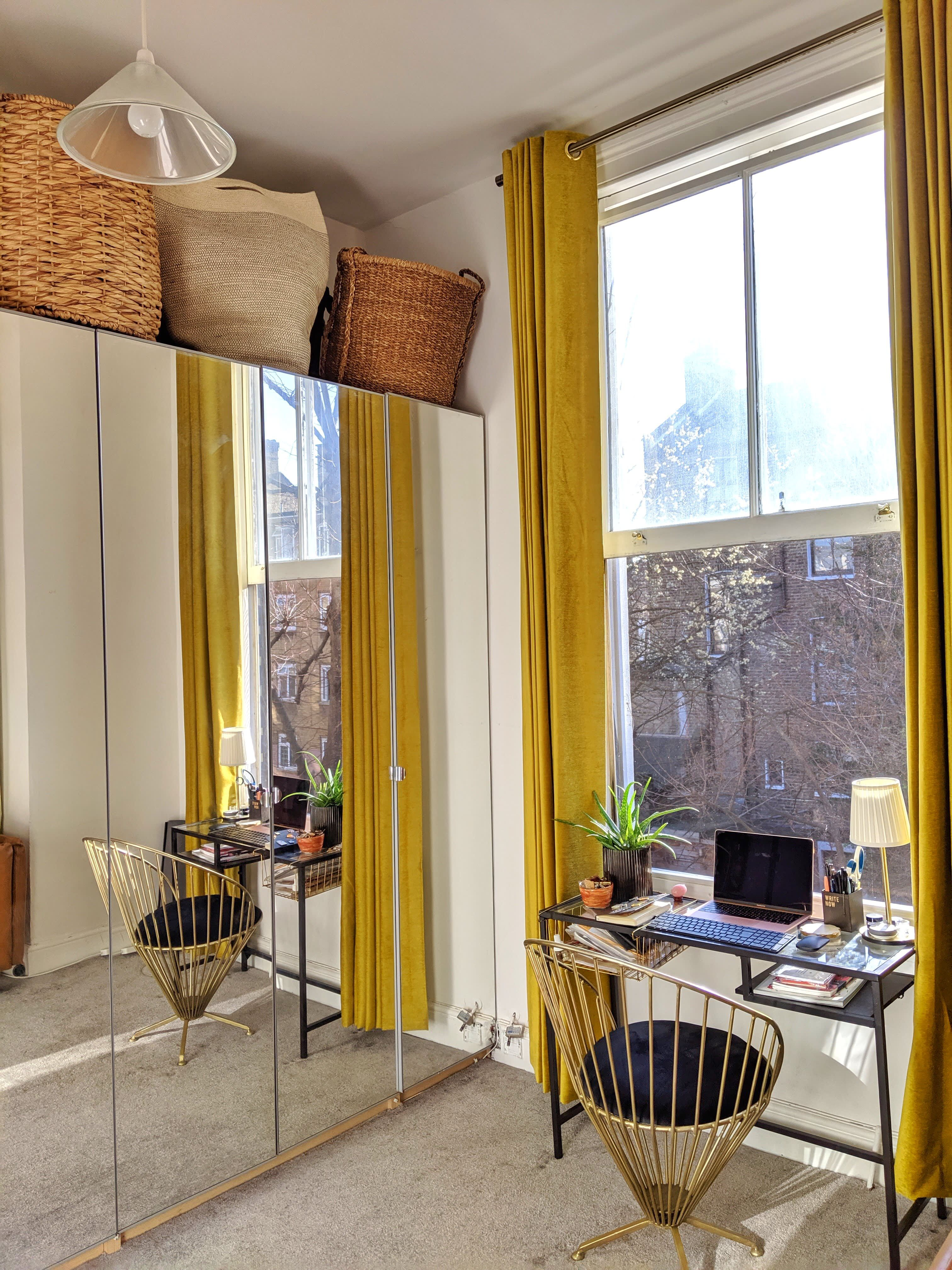 A 400SquareFoot London Studio Apartment Uses All the