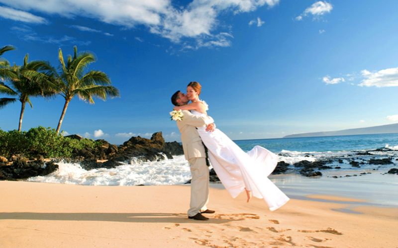 This Place Is Really Beautiful Great To Get Married Waters And Blue Skies In Hawaii