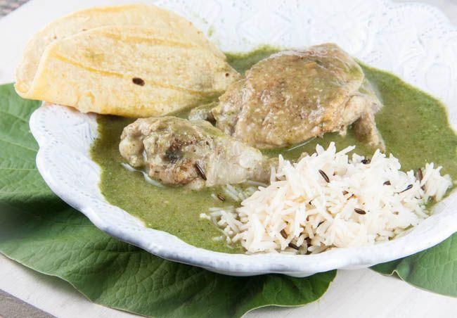 Pollo con Mole Verde (Chicken in an Herbed Green Sauce) #latinfood #mexican #glutenfree #recipe
