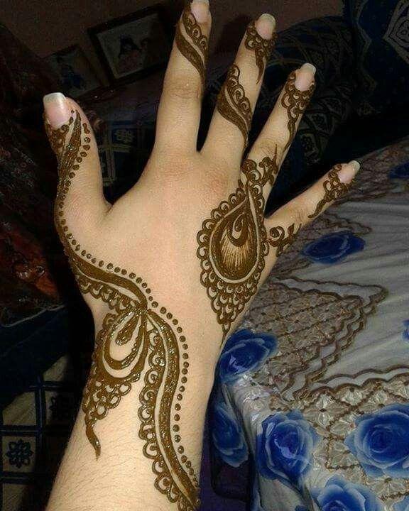 Pin By Nafisah Tasnim On النقش بالحناء Henne Henna Designs Henna Hand Tattoo Hand Henna