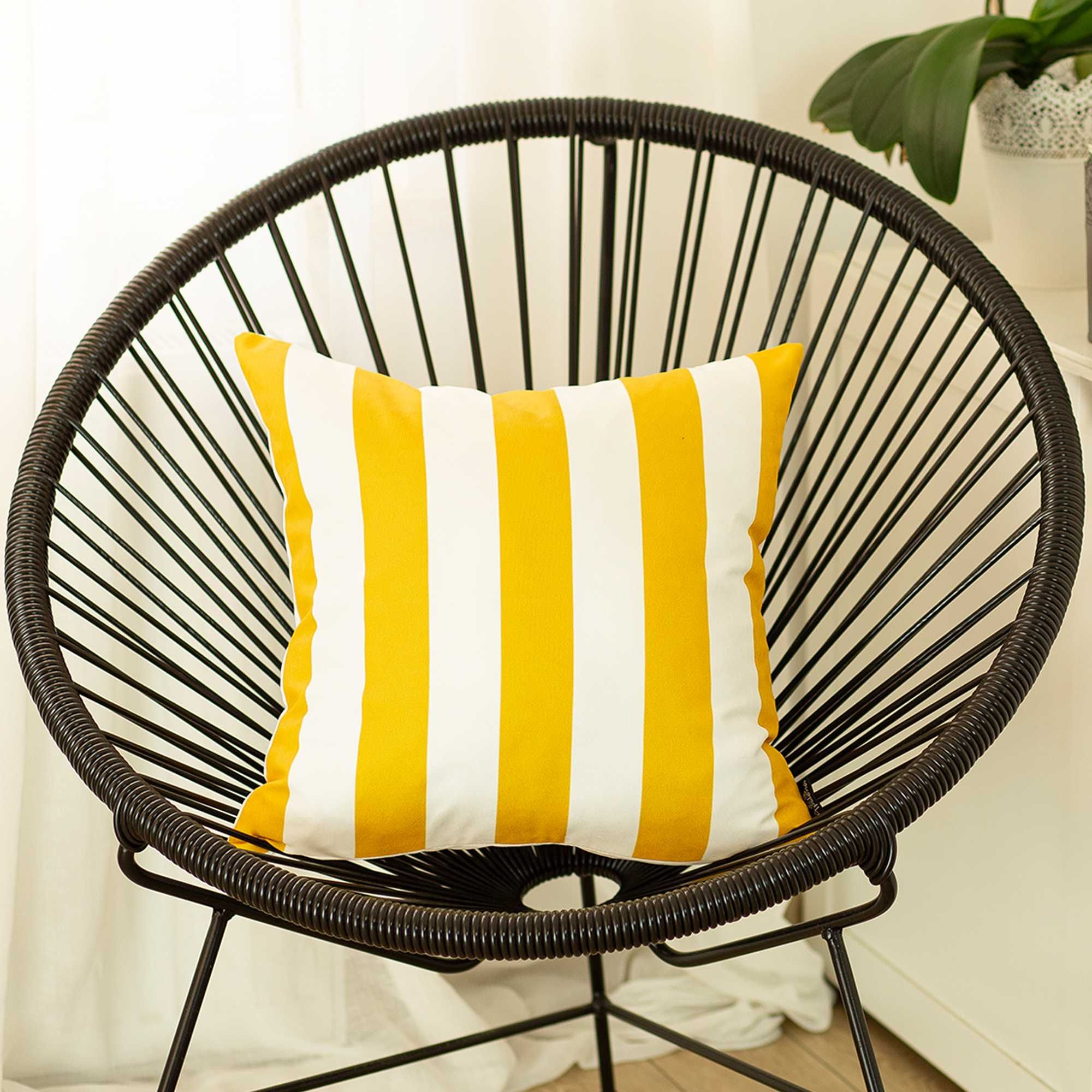 Pillow Covers - 18x18 Yellow Stripes Geometric Decorative Throw Pillow Cover - Multi / Polyester